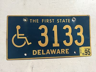 """1995 Delaware Disabled Person Handicapped License Plate  """" 3133 """" De Wheelchair"""