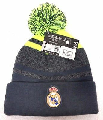 new REAL MADRID pom pom CAP KNITTED HAT WINTER authentic product futbol