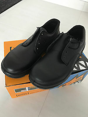 Mongrel Boots 910025. Non Safety, Black Derby, Work Shoes. Brand New SIZE 9
