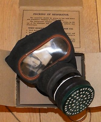 WW2 Gas Mask In Original Box LARGE NICE