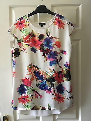 Ladies White/patterned Top Size M