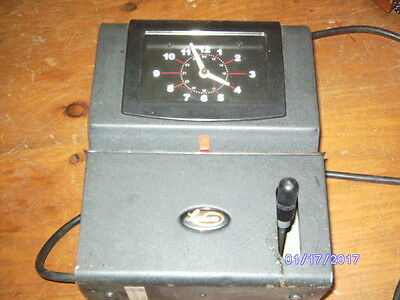 Used Lathem Model 2121 Heavy Duty Mechanical Time Clock Tested Working