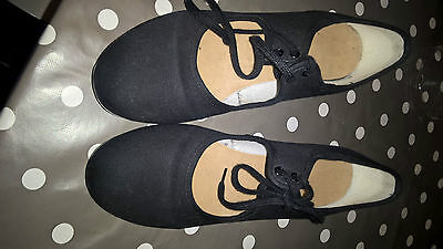 Tap shoes Size 4 - childrens