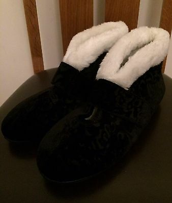 BNWT M&S Slippers Size 7 Black