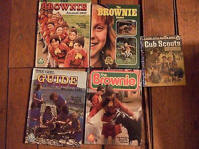 1 vintage Girl Guide book, 3 Brownie Books & one 1959 Cub Scouts book