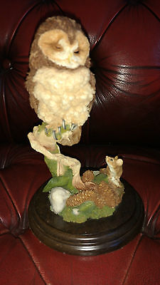 COUNTRY ARTISTS BIRD FIGURE CA538 TAWNY OWL WITH MOUSE f