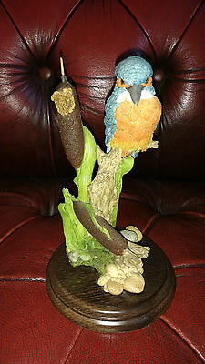 Country Artists Bird Figure Ca33 Kingfisher In Bullrushes