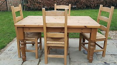 5ft farmhouse kitchen pine table and 4 chairs