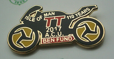 Official 2017 Isle Of Man Tt Races A.c.u. Benevolent Fund Badge - New In Packet