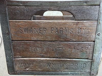 RARE Swaner Farms Dairy Iowa City Wooden Tin Milk Crate ~Read Article~ EUC