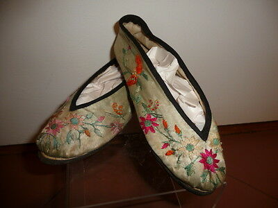 """Vintage CHINESE embroidered SILK SLIPPERS 6 1/2"""" sewn leather soles signed"""