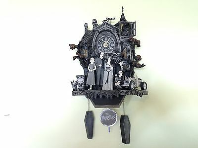 THE MUNSTERS ILLUMINATED MUSICAL WALL  CUCKOO CLOCK MIB with COA Limited !!