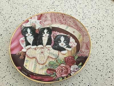 Franklin Mint Heirloom Collection Cat Plate - Hide and Seek