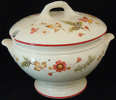 Royal Winton 'Lark Rise' Soup Tureen decorated with Flowers, Foliage & Birds