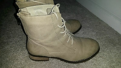 WOMENS Call it Spring BEIGE Lace Up ANKLE BOOTS SIZE US 6