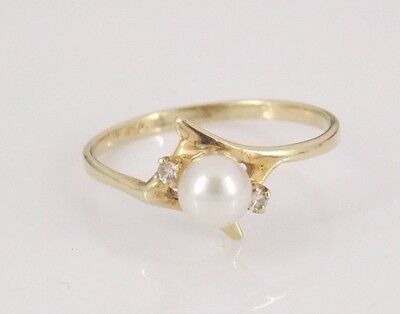 Vintage 10k Yellow Gold Pearl & Diamond Ring Size 6.5