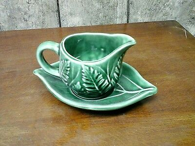 Leaf small milk jug and saucer green
