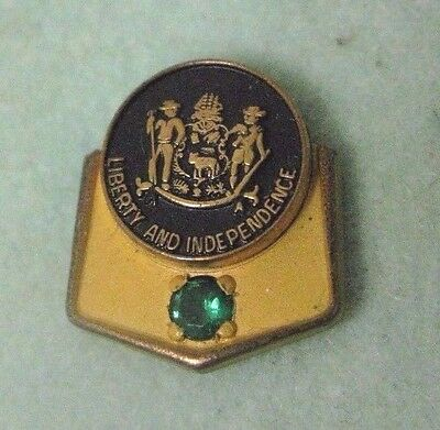 Vintage State of Delaware Lapel Pinback with Emerald