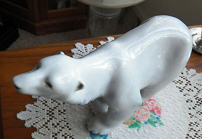 Royal Dux POLAR BEAR 13 Inches Long x 7 inches Tall Excellent