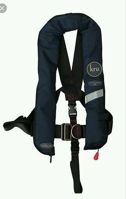 'KRU Commodore'  Lifejacket Manual with Harness 150N - colour Black, Adult 40kg+