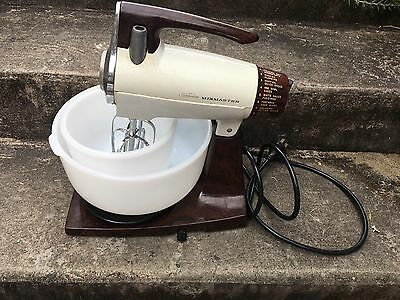 Sunbeam  Mixmaster Vintage Antique Retro with Two Glass  Bowls