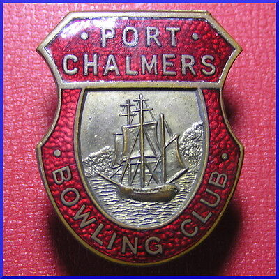 PORT CHALMERS ~ New Zealand ~ Vintage BOWLING CLUB enamel badge