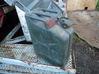 jerry can WW2 vintage military jeep willy army truck tank