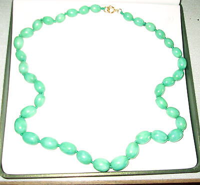 Vintage JADELITE Graduated  Bead Necklace All Knotted 24ins long Boxed