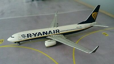 Ryanair Boeing 737-8AS EI-FRF 1/400 by JC wings. BRAND NEW, MINT CONDITION