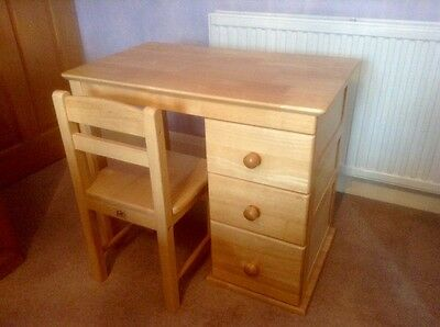 Pintoy-Natural-Wooden-Desk with drawers and-Chair RRP £150