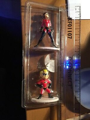 Two Incredible a Figures Mum And Dash New