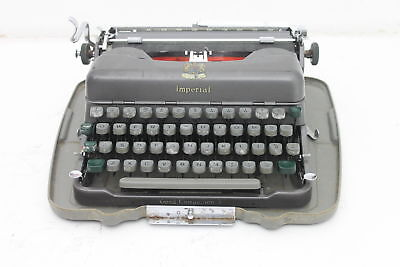 Vintage Imperial Good Companion 3 Typewriter Has Original Cleaning Brush & Cloth