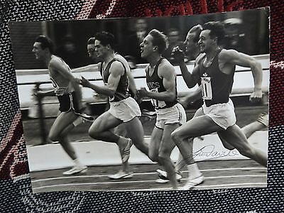 "HAND SIGNED ATHLETICS 11"" x 8"" PHOTO - LYNN DAVIES - AUTOGRAPH"