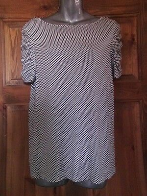 Ladies Cream & Black Spotted Top By M & Co In Size 14