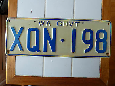 Vintage Western Australia Goverment License Plate  #XQN-198.......207g