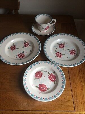 """Rose And Bee 2x 10"""" Plate, Large Teacup, 8"""" Plate Emma Bridgewater"""