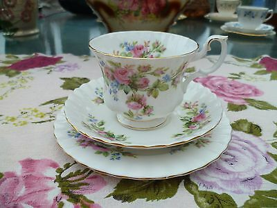 Pretty Vintage Royal Albert English China Tea Cup Trio Saucer Plate Moss Rose
