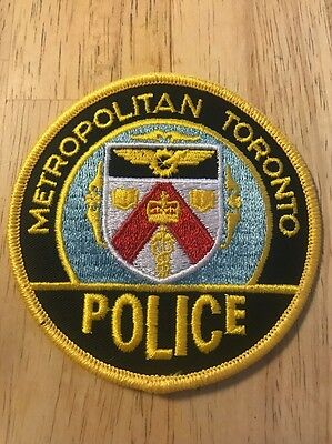 METROPOLITAN TORONTO POLICE Patch Canada Gold Lettering and Edge.