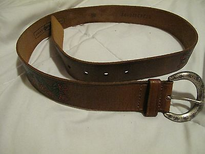 """Fossil Women's Tooled /Painted Brown Leather 70""""s Style Belt SZ M"""