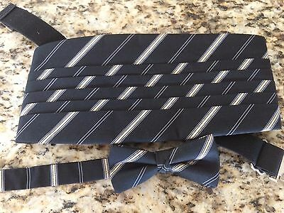 Men's Bow Tie and Cummerbund Pleated-Pre Owned Black, Silver & Gold