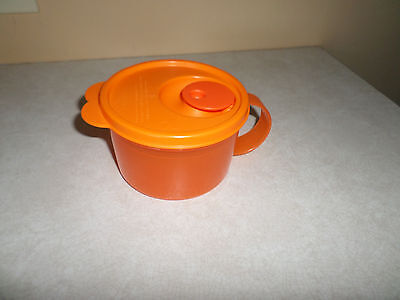 Tupperware microwave soup cup 16 ounce & Lid Bright Orange
