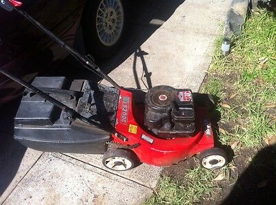 Rover lawnmower briggs and Stratton motor