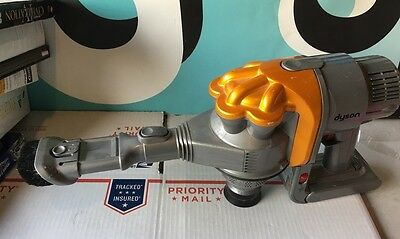 Dyson Handheld Bagless Vacuum Cleaner DC34 PLEASE READ