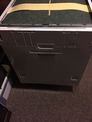 CURRYS Essentials CID60W16 Full Size Integrated Dishwasher
