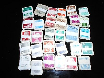 lot de 30 bottes de 30 timbres  europe