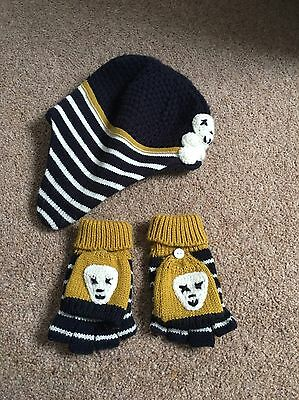 hat and gloves