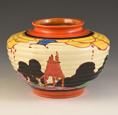 Clarice Cliff SUMMERHOUSE 356 VASE C.1931