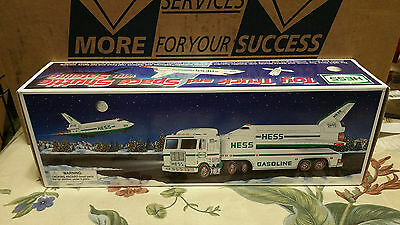 NIB 1999 Hess Toy Truck and Space Shuttle with Satelllite - with Hess Batteries