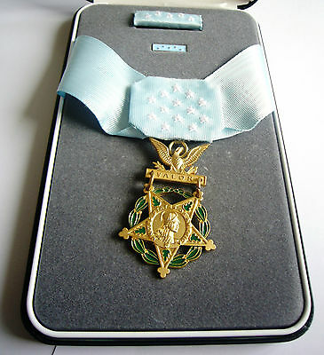 "MEDAL OF HONOR ""ARMY "" Avec COFFRET ( Reproduction)"