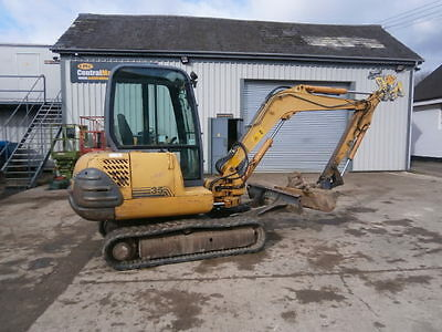 Case CX35 Mini Digger Quick Hitch 3 Buckets